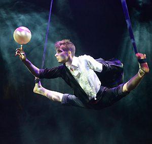 Anton Mikheev sangles aeriennes ballon