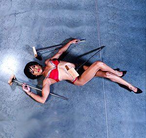 artiste de cirque shenea stiletto